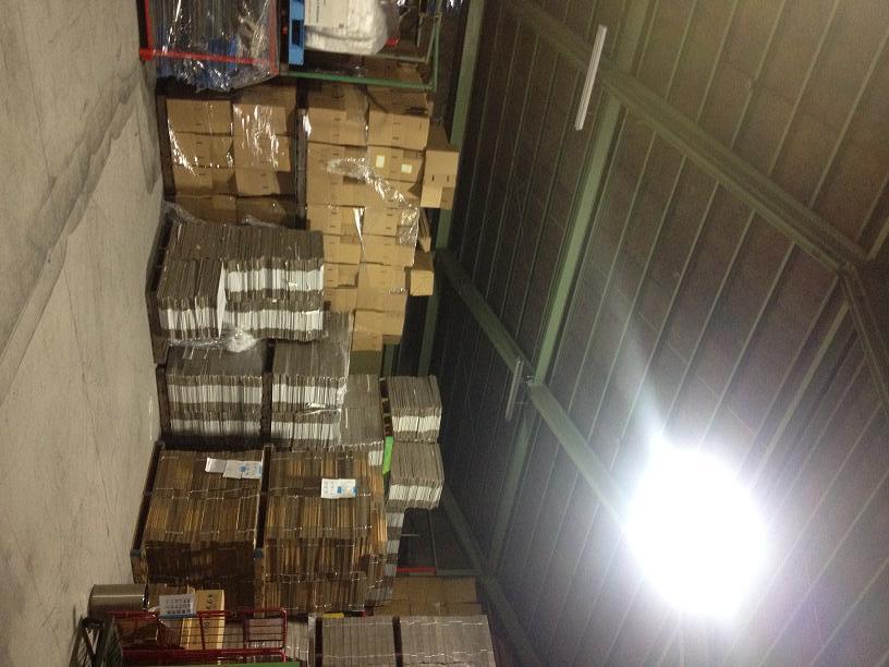 10.倉庫右下天井と荷物と地面